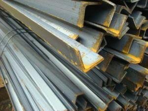 Уголок стальной 20х20, 25х25, 32х32, 35х35, 40х40, Цена на стальной уголок (горячекатаный сталь ст3пс) 50х50, 63х63, 70х70, 75х75, 80х80, 90х90, 100х100, 110х110,125х125. Продажа в Москве.